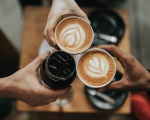 Geniet van koffie tijdens je werkdag