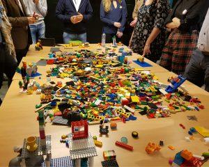 Op het Being Connected evenement van TEDx werd een presentatie gegeven over LEGO SERIOUS PLAY.