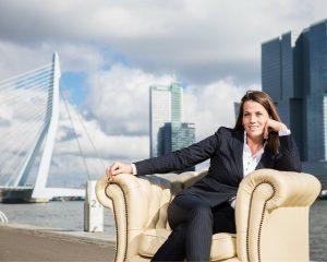 powervrouw Esther Dekker breekt met het stereotype makelaar