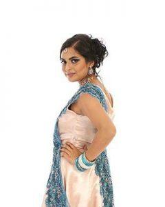 Ranjeeta Doerga studeert, werkt als registergoedbehandelaar, droomt van haar eigen notariskantoor en doet mee aan de Indian Beauty Queen verkiezing om het taboe op tienermoeders in de Hindoestaanse gemeenschap te verbreken.