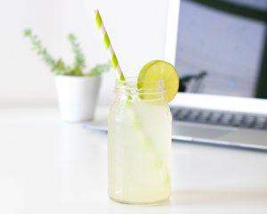 6 tips om genoeg water te drinken
