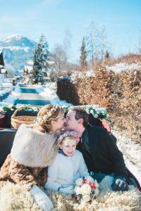 Girlboss Renate fotografeert een bruidspaar in Oostenrijk