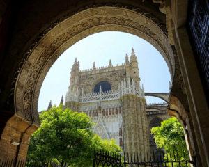 De kathedraal met de Giraldatoren in Sevilla