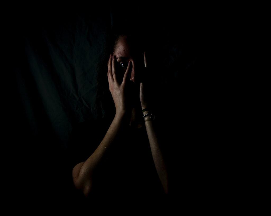 De angst is zo erg dat u het in uw hele lichaam.