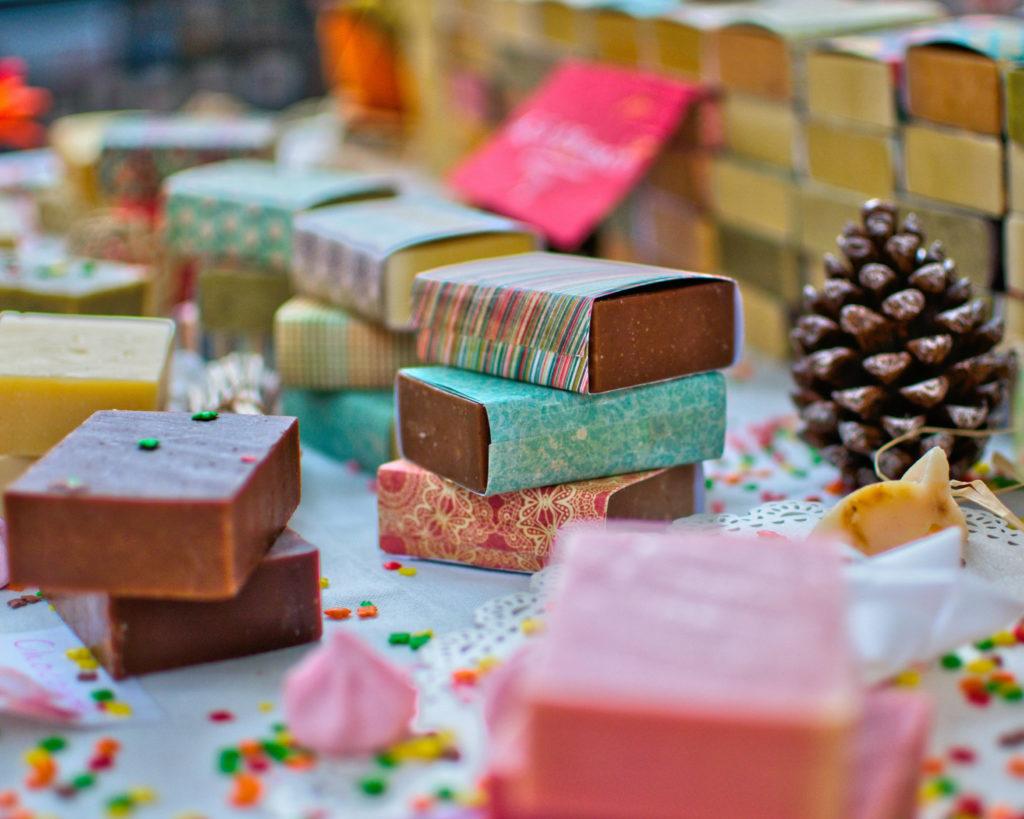 Je kunt ook meerdere kleine cadeautjes kopen voor het dobbelspel in plaats van één of twee cadeautjes.